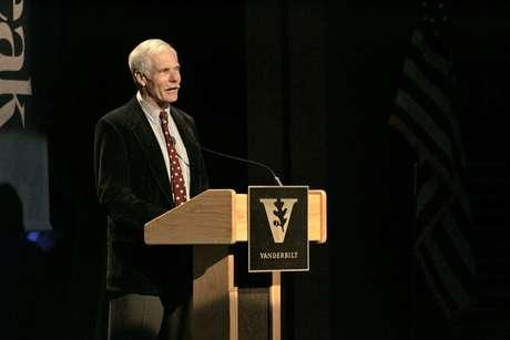 Ted Turner anunciou que luta contra a demência