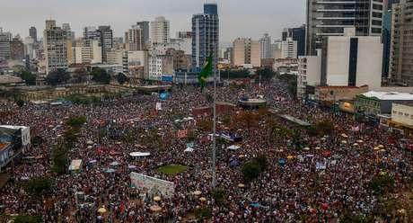Manifestação liderada por mulheres lotou Largo da Batata, em São Paulo; para especialista, foi o maior protesto de mulheres na história do Brasil