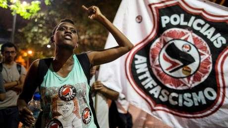 """Grupos de """"policiais antifascismo"""" se juntaram contra Bolsonaro no Rio, onde essa foto foi tirada, Recife e Natal"""
