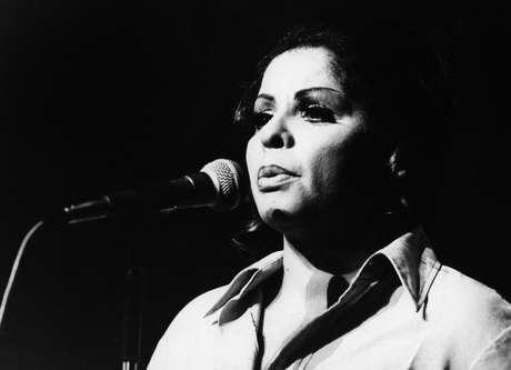 Ângela Maria em show em São Paulo, em 1977