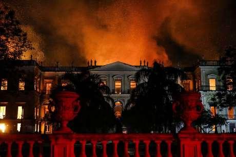 O Museu Nacional em chamas
