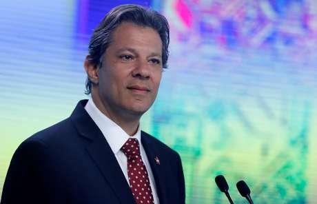 Candidato do PT à Presidência, Fernando Haddad, durante debate da TV Record, em São Paulo 30/09/2018 REUTERS/Nacho Doce