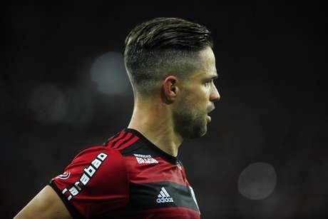 O meia Diego, em campo pelo Flamengo