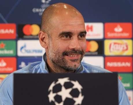Guardiola deu coletiva nesta segunda-feira (Foto: DANIEL ROLAND / AFP)