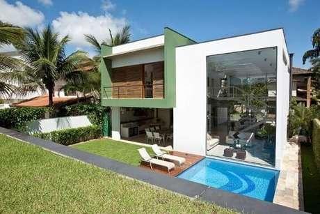 34. Casa grande e moderna com piscina pequena. Projeto de FC Studio