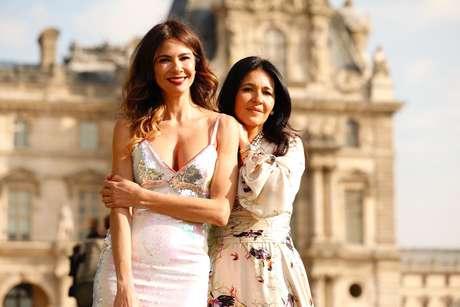 Luciana Gimenez e Lu Monteiro em Paris (Foto: Divulgação)