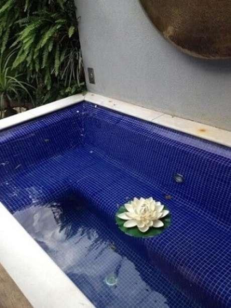 3. Uma piscina pequena pode ser exatamente o que você precisa para curtir mais a sua casa. Projeto de Occoncur