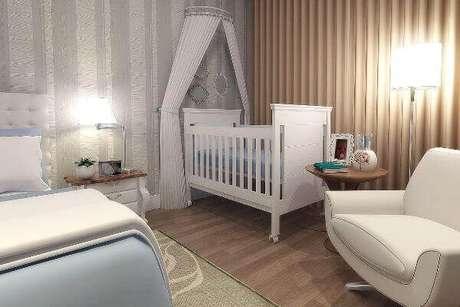 58- O quarto de bebê compartilhado tem móveis modernos. Fonte: Mil dicas de mãe
