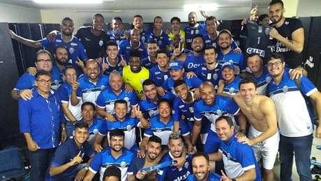 Jogadores do CSA comemoram vitória sobre o Paysandu