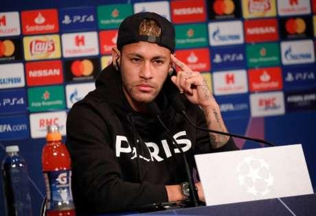 Neymar brincou com o fato de não dominar a língua francesa (Foto: Reprodução)