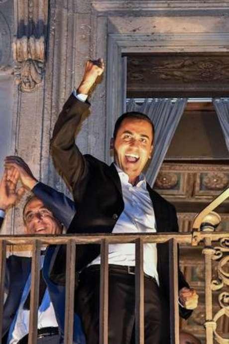 Luigi Di Maio comemora acordo para déficit de 2,4%