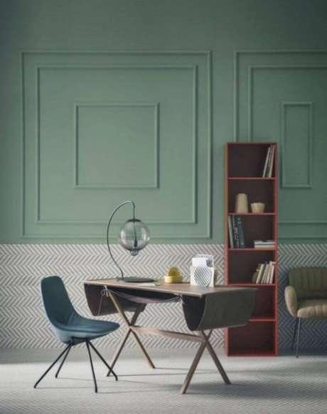 12. Apesar de bem clássico, o boiserie gesso pode ser usado também para incrementar a decoração de ambientes modernos – Foto: Futurist Architecture