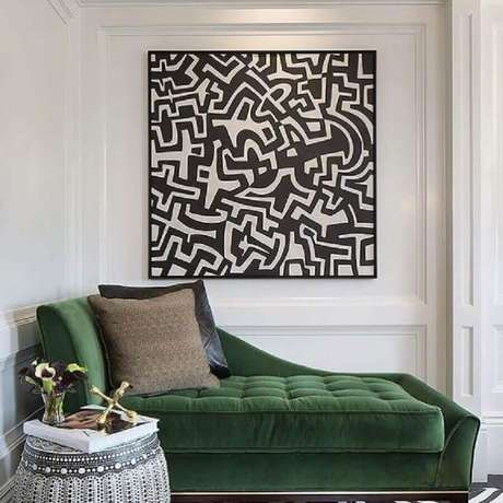 33. Que tal usar quadros para decorar a moldura de parede? – Foto: Tineke Triggs