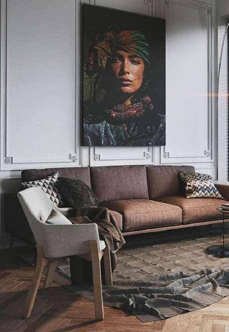 48. A moldura de parede com quadros decorativos deixam a decoração muito mais interessante – Foto: Pinterest