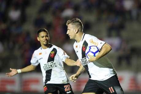 Comemoração do gol de Maxi López, do Vasco