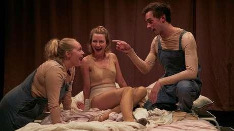 Isley transformou sua dificuldade com o vaginismo em roteiro de peça teatral