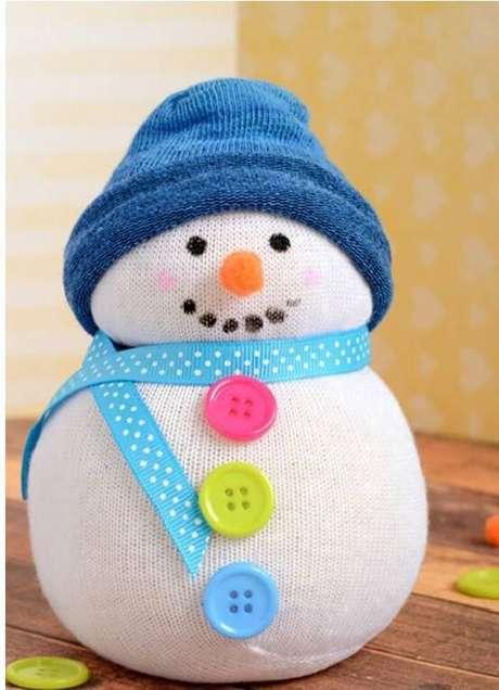 16- Que tal um boneco de neve de meia como lembrancinha de natal?