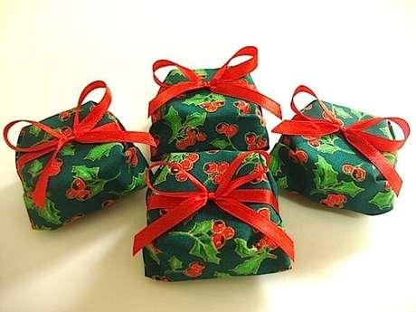 67- Lembrancinha de natal com pão de mel embalado. Fonte: Segredos da Vovó