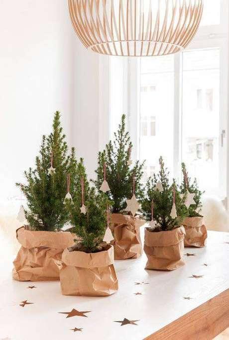 36- Que tal presentear seus convidados com uma pequena árvore de natal?