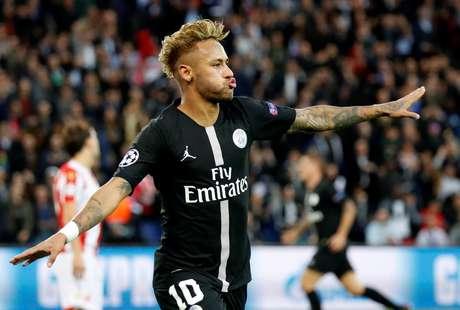 Neymar marcou três gols na goleada do PSG nesta quarta-feira