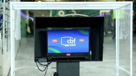 O VAR só está sendo utilizado no páis na Copa do Brasil por enquanto- Luis Moura/WPP