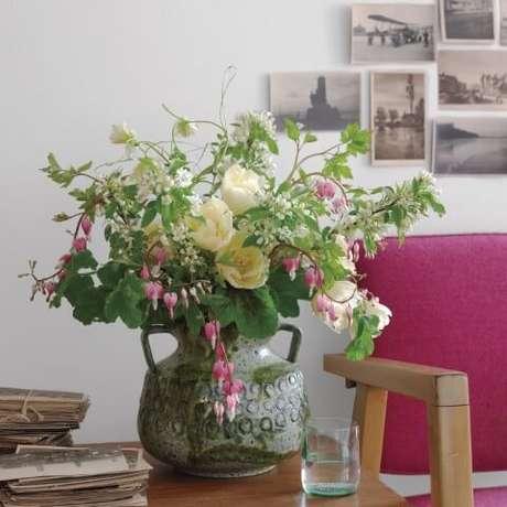 5. Com certeza as flores do campolevam mais alegria à casa.Foto de Martha Stewart