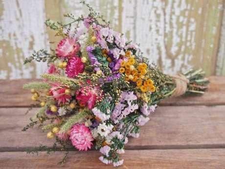 31. Buquê de flores do campo coloridas. Foto de Pinterest