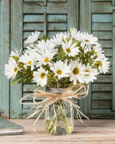 30. Flor do campo branca em vaso de vidro. Foto de Office Scapes Direct