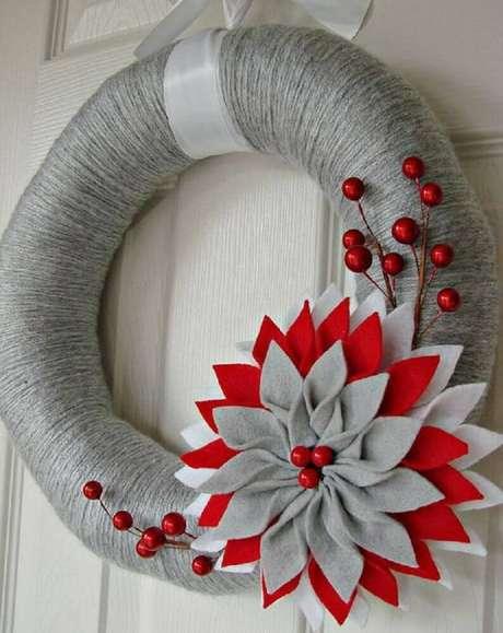 66. Invista em enfeites de natal artesanato – Foto: PinsDaddy