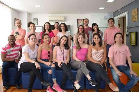6. Equipe Viva Decora em apoio ao Outubro Rosa