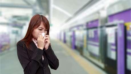 De acordo com o estudo, a gripe se propaga de metrô, de trem, de ônibus...