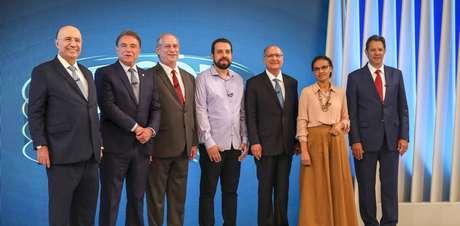 Presidenciáveis no encontro na Globo: as ausências de Jair Bolsonaro, em recuperação de saúde, e Cabo Daciolo, não convidado pela emissora, colaboraram para a monotonia do debate