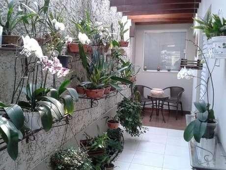 64. Jardim vertical em estruturas de ferro. Projeto de Hélio Okamoto