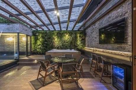 31. Jardim vertical em parede externa. Projeto de Andréa Buratto