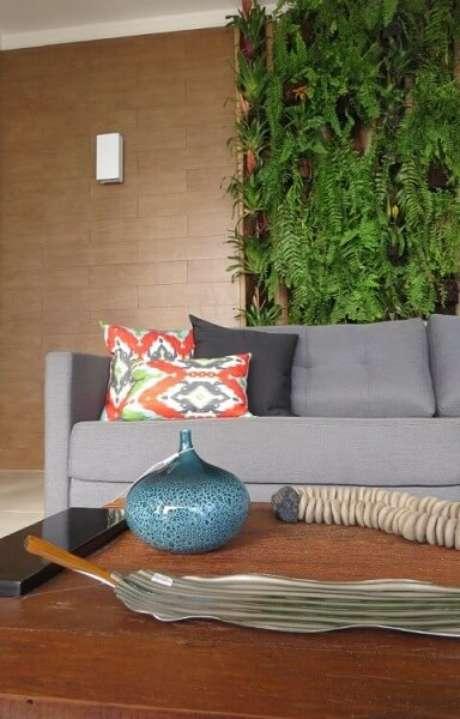 1.O jardim verticalleva a natureza para dentro da sua casa.Projeto de Talita Arruda Silva