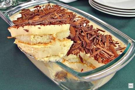 Receitas fáceis com leite condensado: 10 opções deliciosas para a sobremesa