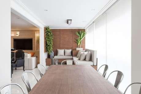 48. Varanda gourmet clean com jardim vertical. Projeto de Mariana Luccisano