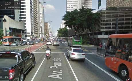 Avenida Paulista na altura do cruzamento com a Rua Augusta.