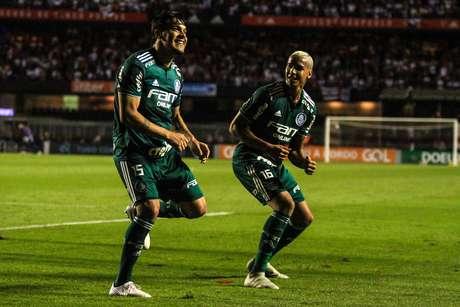 Com vitória no Morumbi, Palmeiras é líder isolado do Brasileirão