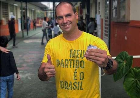 Eduardo Bolsonaro estimulou eleitores para filmar a votação