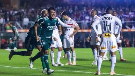 Gustavo Gómez comemora o primeiro gol no Morumbi - FOTO: Marcello Fim/Ofotografico