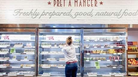 Regulações britânicas permitem que alguns alimentos sejam embalados sem a necessidade de se explicitar se contêm alergênicos