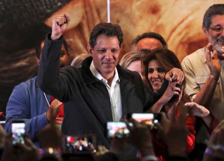 Haddad, comemora 2º turno em São Paulo 7/10/2018  REUTERS/Paulo Whitaker