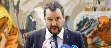 """""""O Brasil também muda! Esquerda derrotada e novos ares"""", escreveu Salvini"""