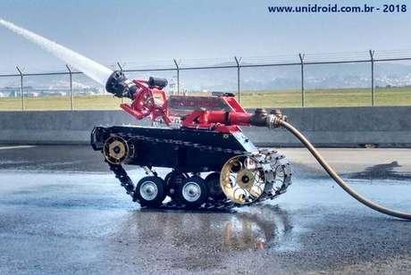 Novo robô ajuda a evitar fatalidades em combate a incêndios