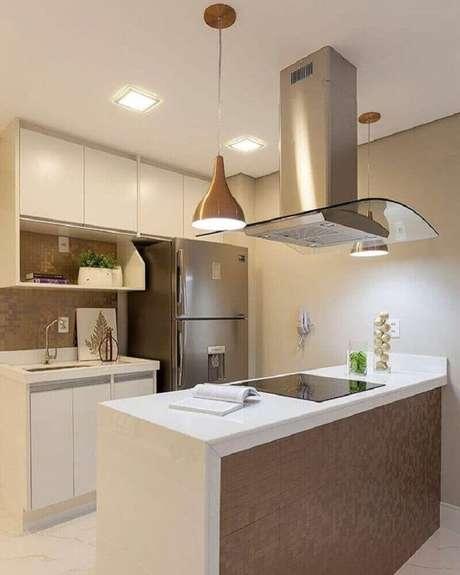 35. Modelo de armário planejado para cozinha pequena – Foto: Monise Rosa Arquitetura e Interiores