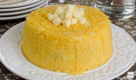Cuscuz nordestino com queijo |