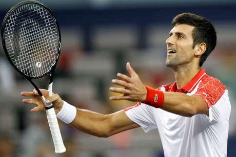 Novak Djokovic derrota Jeremy Chardy em Xangai
