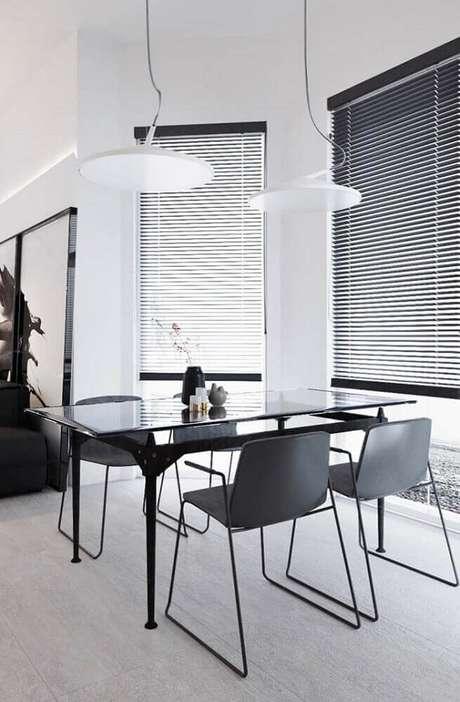 35. Decoração para sala de jantar moderna preta e branca – Foto: Pinterest