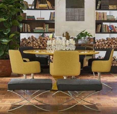 36. Escolha móveis coloridos para a decoração de sala de jantar moderna – Foto: Lider Interiores